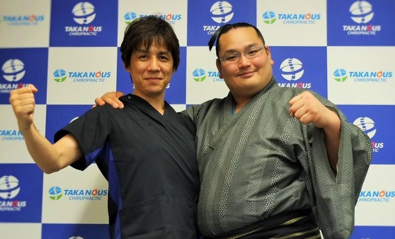 福岡市の整体タカノスでドスコイ~お相撲さんも腰痛治療にやって来ます